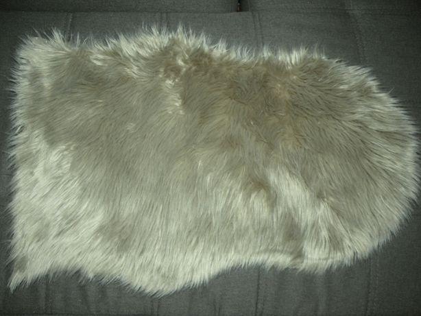 Dywanik PEAU DE MOUTON 2 55*80 cm