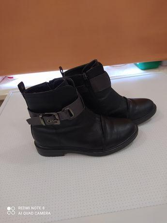 Ботінки осінні,ботинкы 34 розміру.