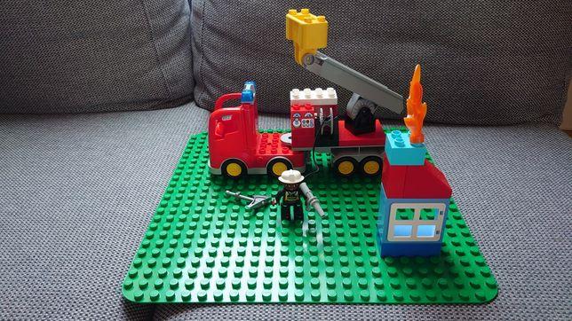 LEGO Duplo (10592) - wóz strażacki. Straż pożarna
