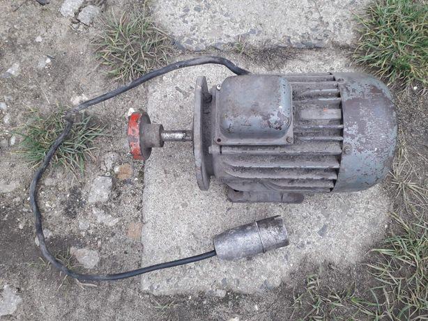 Silnik  siłowy  1.5 kw