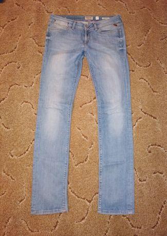 Голубые джинсы Replay