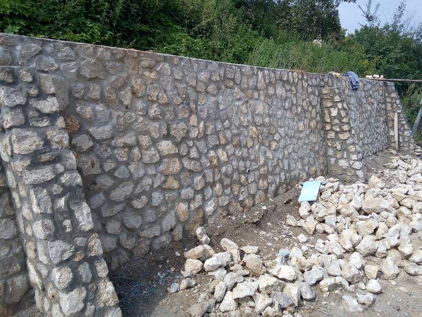 Забори з галущинецького каменю