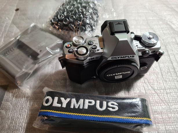 Olympus omd5 mark2 srebrny
