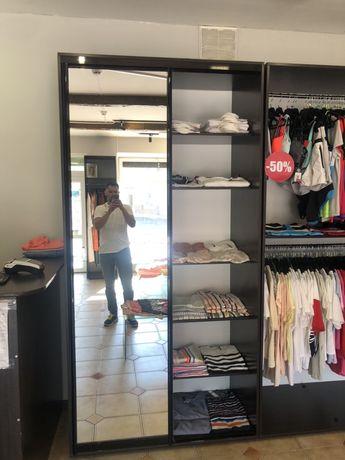 Меблі для магазину одягу