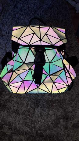 Nowy plecak plecaczek trójkąty geometryczny
