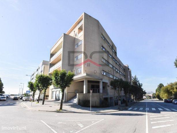Apartamento T2+1 em Águas Santas com lugar de garagem e a...