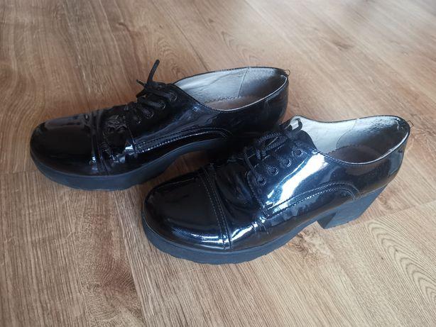 Туфлі лаковані. 25см
