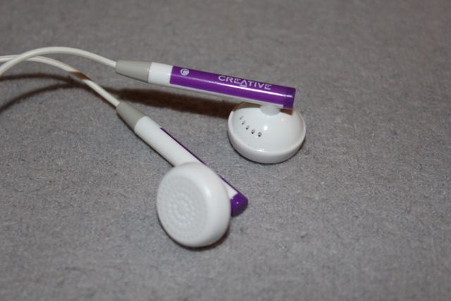 Słuchawki douszne CREATIVE