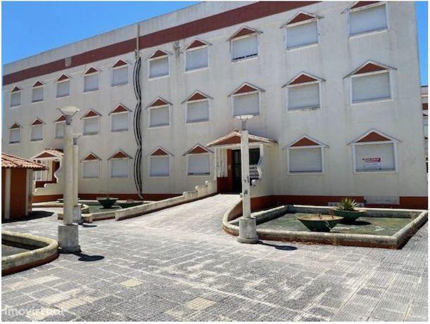 Apartamento T3 situado Alcácer do Sal  Rua dos Ciprestes.