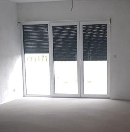 Okno tarasowe biały-antracyt 3szyby plus roleta nadstawna OKAZJA