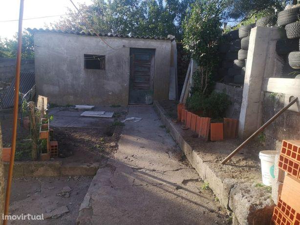 Moradia para Restaurar T3 Venda em Riba de Ave,Vila Nova de Famalicão