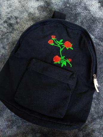 Plecak czarny róża