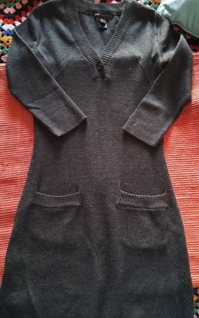 Vestido malha meia manga, da MANGO