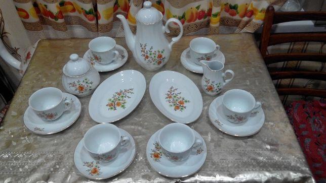 Чайный сервиз Болгария на 6 персон, есть два деффекта
