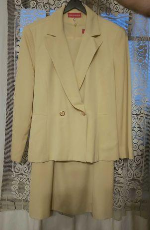 Fato vestido e casaco