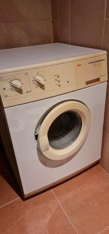 Máquina de Lavar Roupa AEG LAVAMAT 40