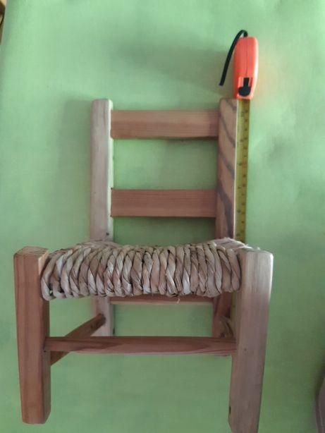 Vendo mini cadeira de verga