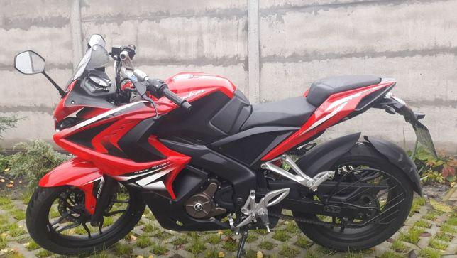 Продам Bajaj Pulsar RS200