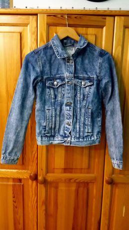 Krótka kurtka jeansowa
