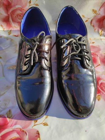 Женские кожаные туфли 39-40 р