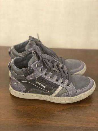 Демисезонные ботинки Geox на пальчика 35 размер