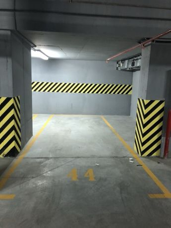 Сдам подземные места в паркинге в Аркадии