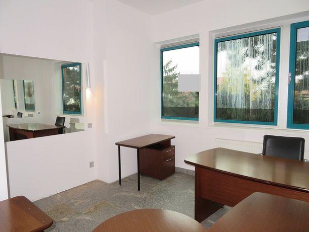 Biura lub pomieszczenia na usługi np. kosmetyczne, szkoleniowe
