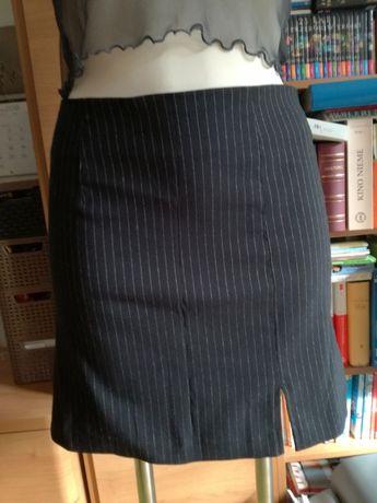 Elegancka czarna spódnica garniturowa, rozmiar S/M