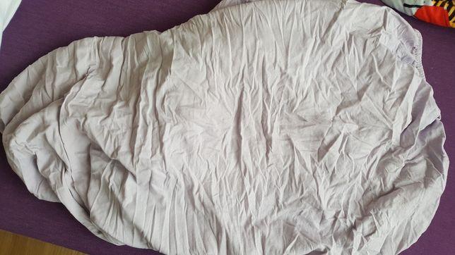 Fioletowe prześcieradło do łóżeczka