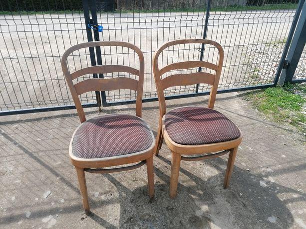 Zabytkowe krzesła drewniane tapicerowane prl