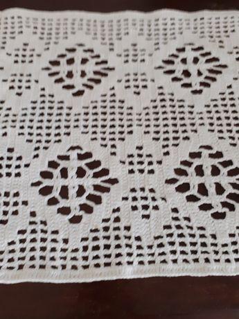 Pano em crochet feito à mão