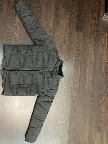 Оригинальная куртка от фирмы Armani на зиму