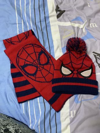 Набор шапка и шарф marvel фирменный 2-3 года