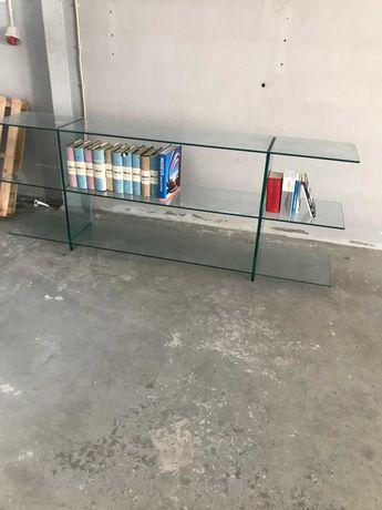Expositores e mesa em vidro