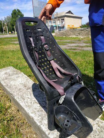 Дитяче велокрісло