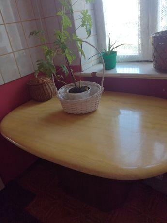 Stol, blat z kamienia ,kolor bezowy.