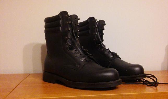 Nowe buty wojskowe desanty wzór 919 roz. 28.