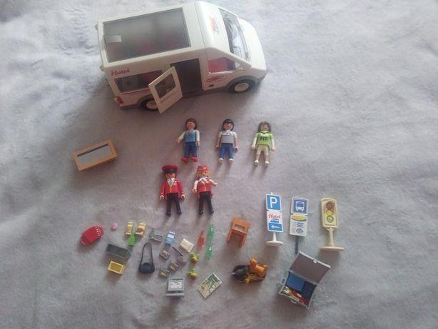 Playmobil samochód Hotel + 5szt ludzików + zestaw akcesoriów, j.nowy