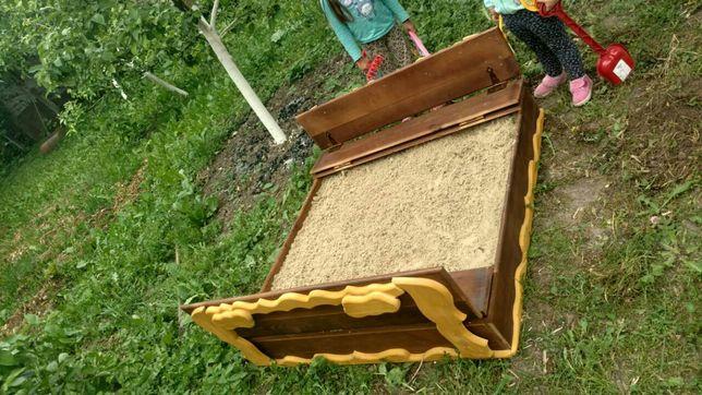 Песочница деревянная.