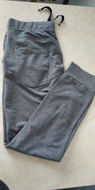 Spodnie dresowe damskie szare z Pepco