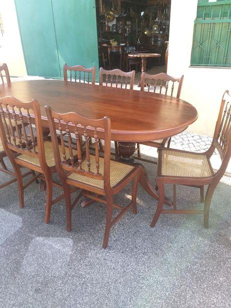 Mesa + 8/6 cadeiras