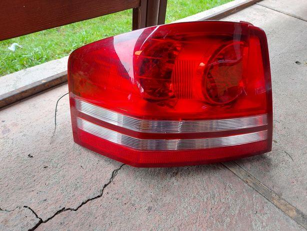 Sprzedam tylna lewa lampę Dodge Avenger