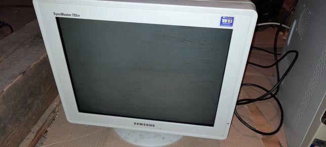 Sprzedam monitor Samsung.