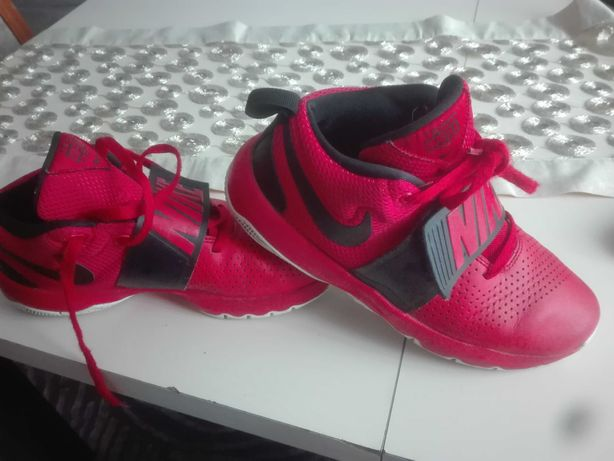 Buty Nike Team Hustle