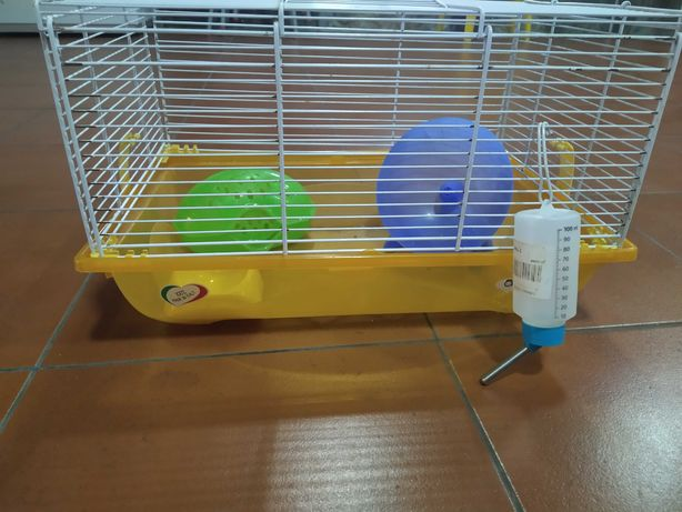 Gaiola de hamster com acessórios