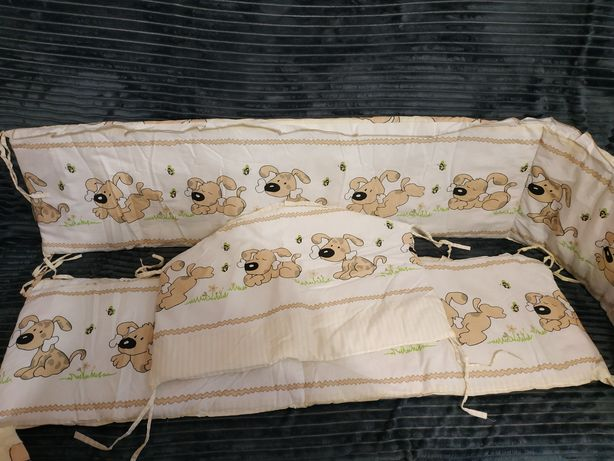 Защитные бортики в кроватку, балдахин, подушка и одеяло