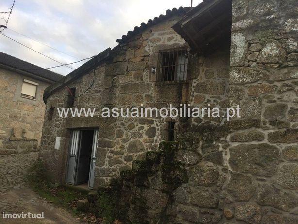 Casa p/ Restauro - Adaúfe
