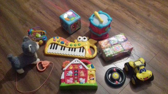 Komplet interaktywnych, zdalnie sterowanych zabawek