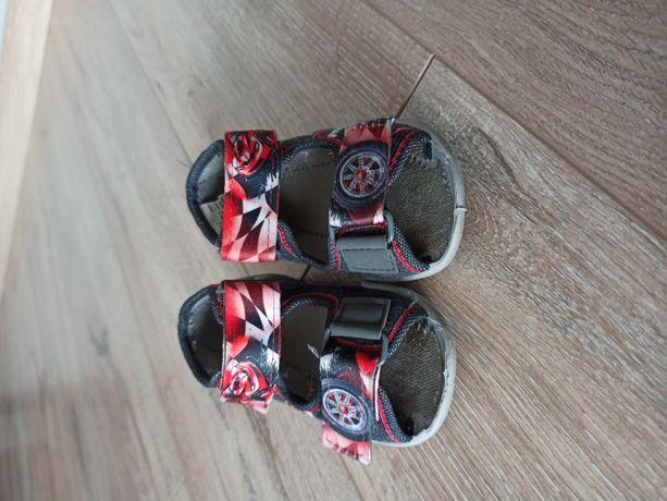 Sandałki polskiej firmy Befado