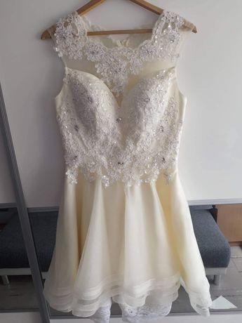 Sprzedam raz nałożona sukienkę na ślub cywilny rozmiar S
